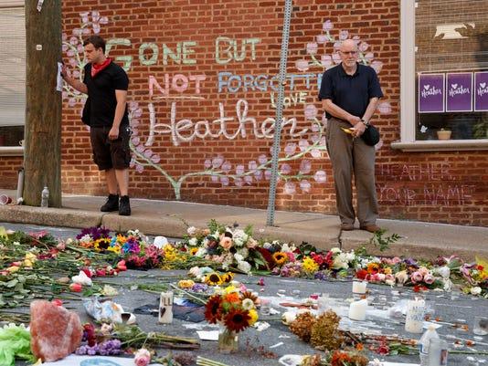 AP APTOPIX CONFEDERATE MONUMENT PROTEST FUNERAL A USA VA