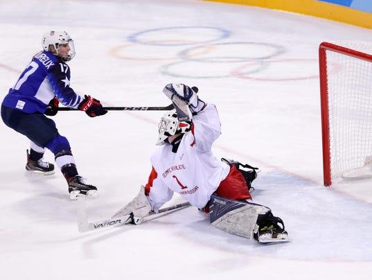 636541144164481961-AP-Pyeongchang-Olympics-Ice-Hockey-Women.jpg