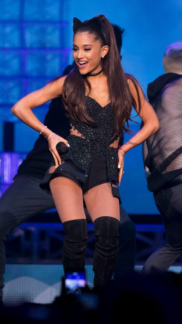 AP ARIANA GRANDE IN CONCERT - NEW YORK A ENT USA NY