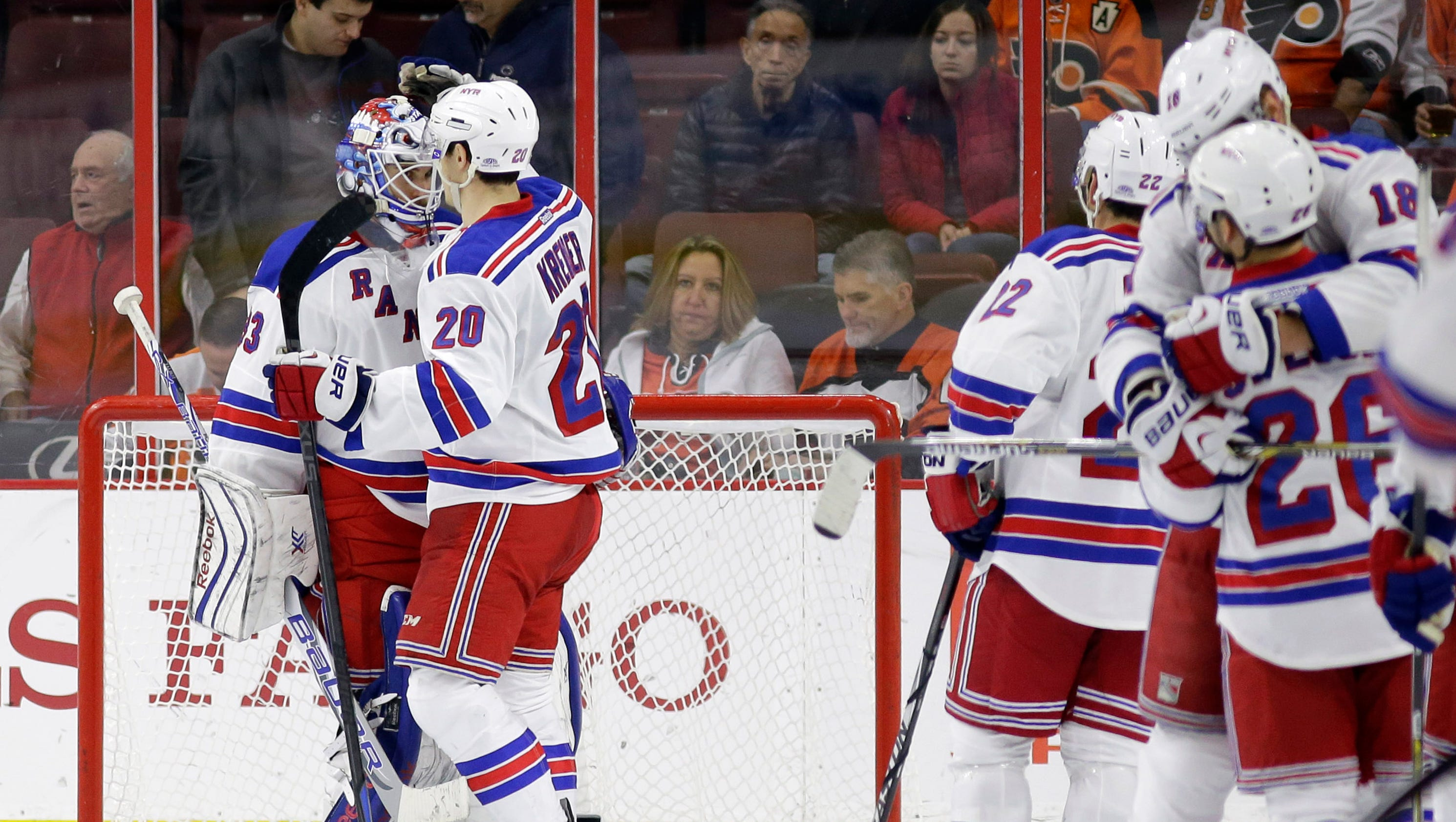635527882105570397-rangers-flyers-hockey-mvergari-lohud.com-1-copy-3