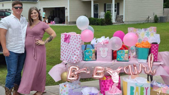 Mini Miss Holly Ridge, Averie Rose Miller and her mother recently arranged a drive by baby shower for her Aunt Haley and Uncle Dalton. Cars came and dropped off gifts to the soon-to-be parents.