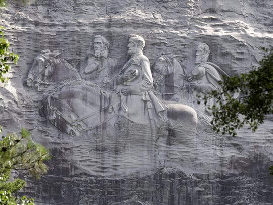 Images of Confederate leaders Stonewall Jackson, Robert