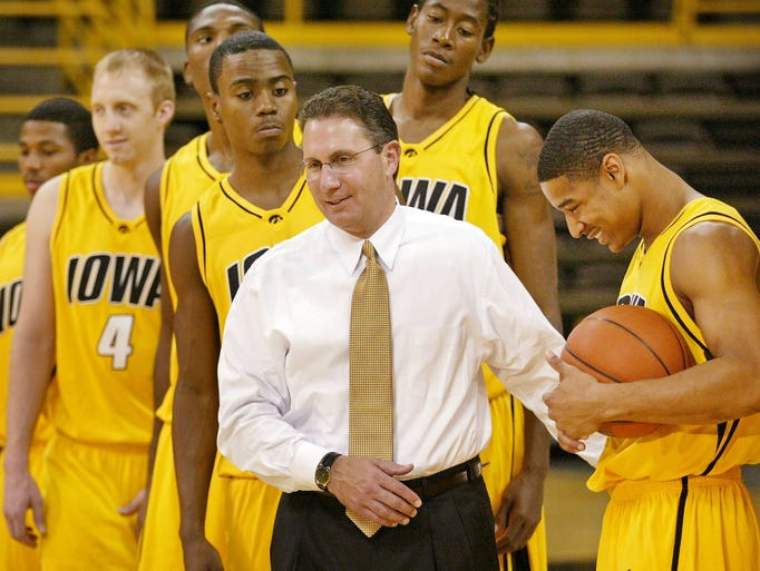 Former Iowa coach Todd Lickliter leaves basketball