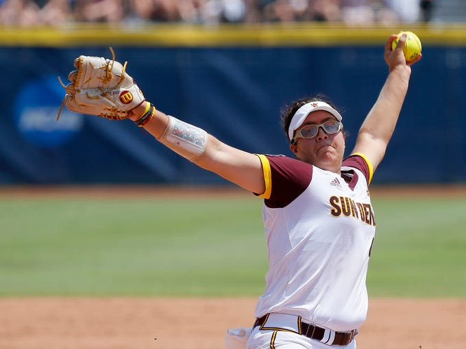 Arizona State's Giselle Juarez (45) pitches during