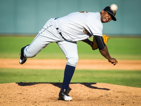 Domingo Acevedo pitches for the Charleston RiverDogs.