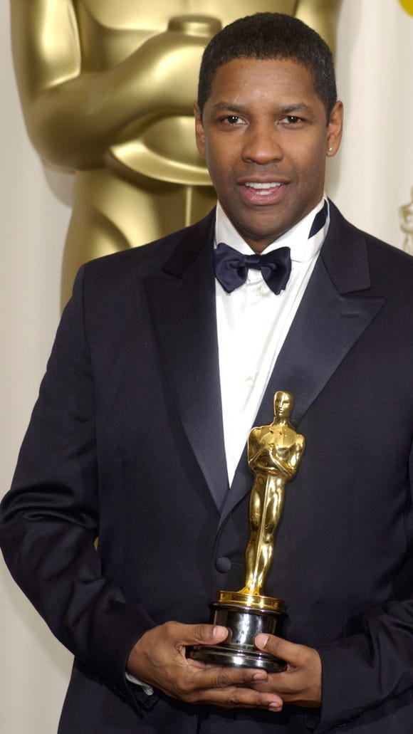 Denzel Washington wins his second Oscar.
