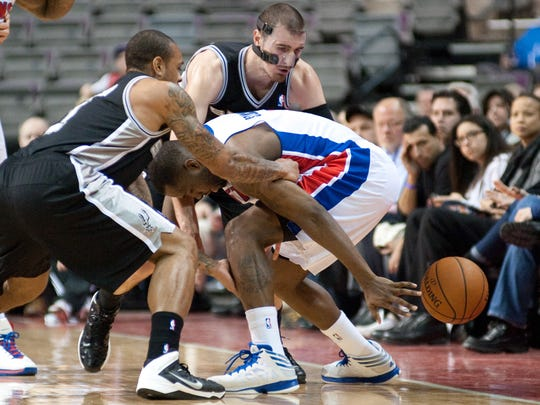 USP_NBA-_San_Antonio_Spurs_at_Detroit_Pistons