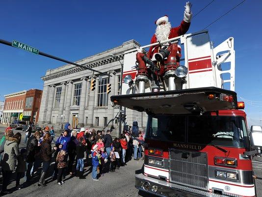 File MNJ holiday parade