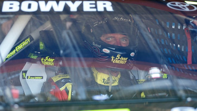 Clint Bowyer was among five drivers who clinched a berth in the Chase for the Sprint Cup on Saturday night.