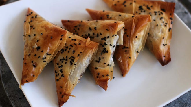 Samosas probably are India's favorite snack. These crispy triangles are loved by everyone from Bollywood actresses to business managers and toddlers to grandmas.