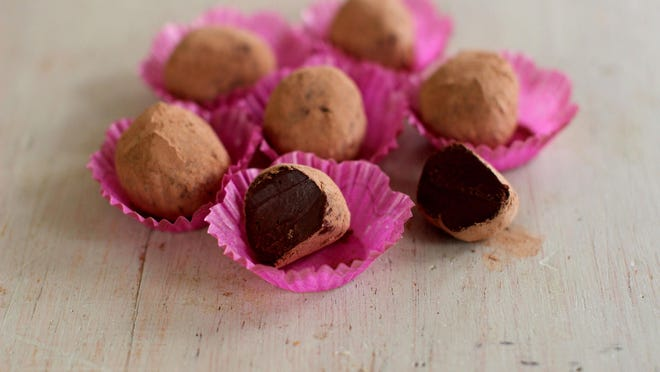 Chai spice chocolate truffles are dark and dense orbs, made using good quality 70 percent dark chocolate infused with cream and the gorgeous sweet spices ordinarily used in chai, including ginger, cinnamon, cardamom and cloves.