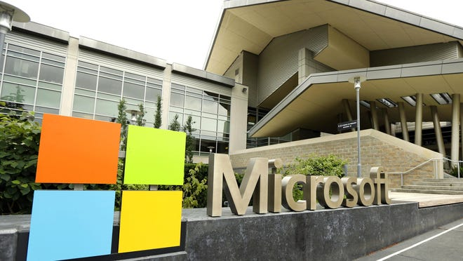 Microsoft will begin bringing workers back to its Redmond, Wash., global headquarters on March 29 as the tech giant starts to reopen more facilities it largely shuttered during the coronavirus pandemic.