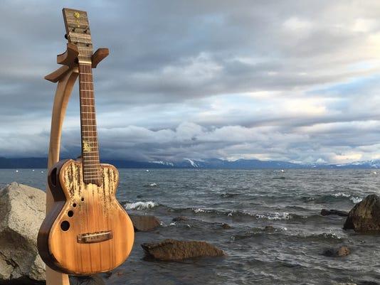 635960800543474262-ukulele.JPG