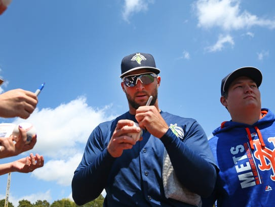Tim Tebow and the Columbia Fireflies at the Lakewood