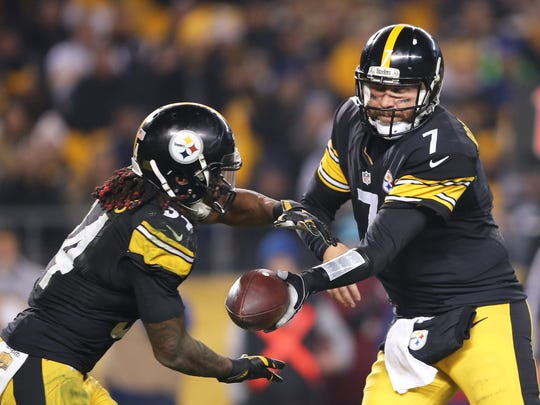 Pittsburgh Steelers quarterback Ben Roethlisberger (7) hands the ball off to running back DeAngelo Williams (34) in the backfield during the second half of an NFL football game Sunday, Dec. 6, 2015, at Heinz Field, in Pittsburg, Pa.