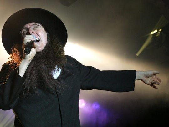 "Weird Al Yankovic isn't expected to sing ""Amish Paradise"""