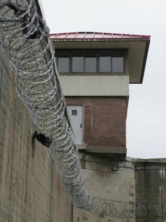 636119530481837806-Prison-photo.jpg