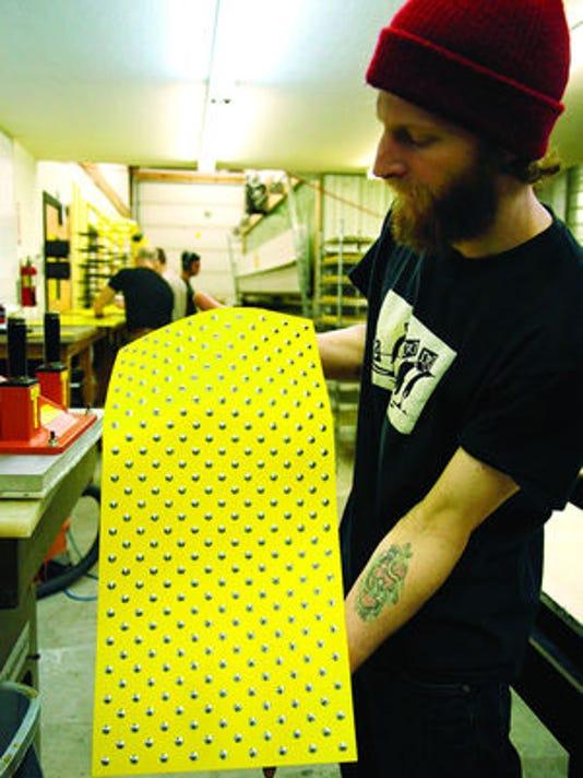 1-No binding snowboard 1