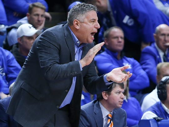Auburn Tigers head coach Bruce Pearl reacts during
