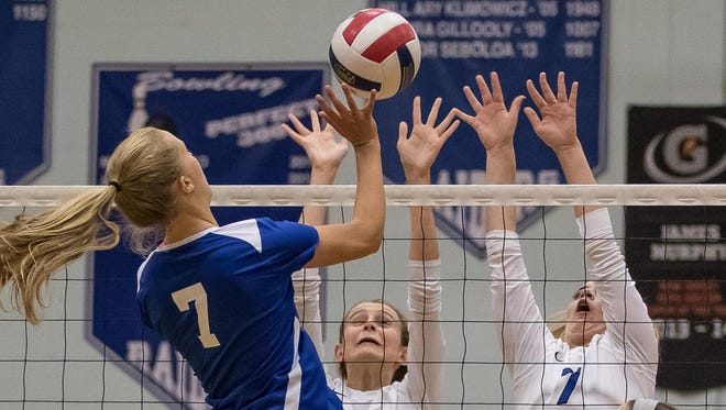 Julia Hayes (7) helped lead the Union Catholic girls volleyball team to its 10th Union County Tournament title on Friday night.