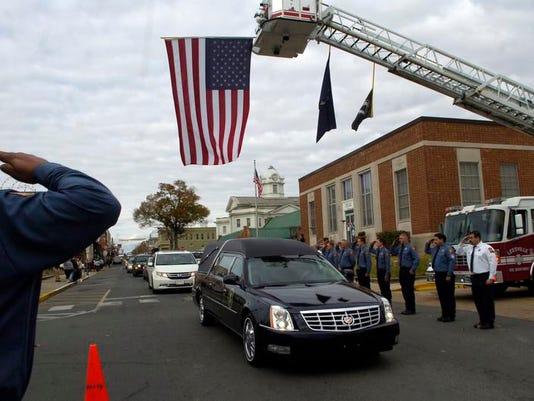 -ANI Soldier burial2.jpg_20131219.jpg