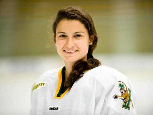 -pelkey hockey-EM-22-c5.jpg_20110922.jpg