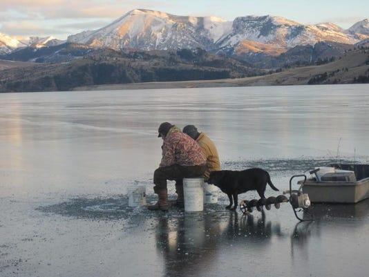 -this ice fishing 2.jpg_20130305.jpg