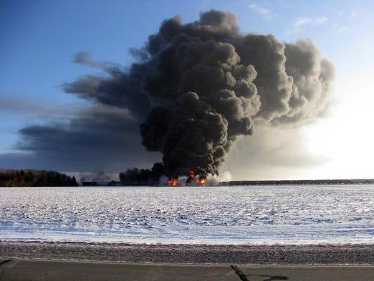 -Train Derailment-Fire_Fran.jpg_20140102.jpg