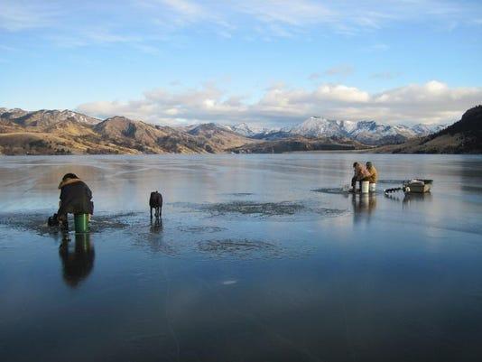 -this ice fishing 1.jpg_20130305.jpg