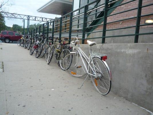 tjn 0128 bike train
