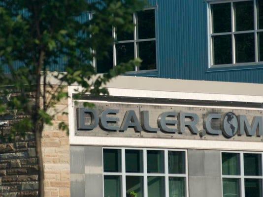 -DEALER-29-C1.jpg_20100729.jpg