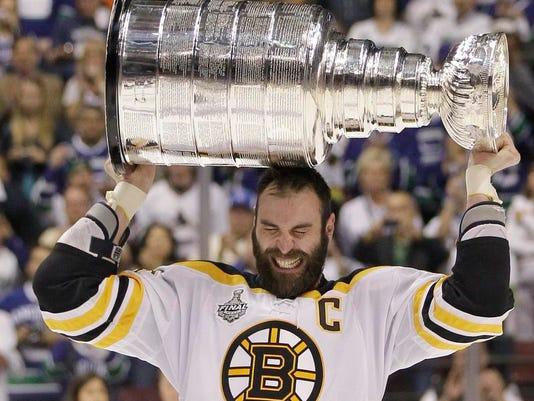 -Stanley Cup Bruins Canucks Hockey.JPEG-0897b.jpg_20110615.jpg