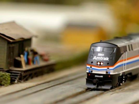 4 Train show