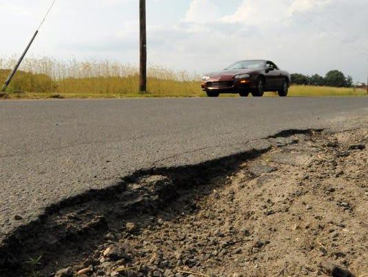 -le- Road Resurfacing 060309-6328.jpg_20090603.jpg