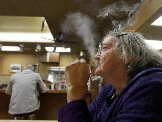 -KY SMOKING POLL 2.jpg_20140102.jpg