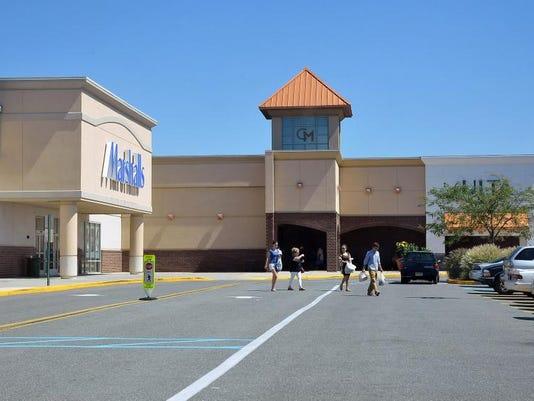 -Cumberland Mall 40th 5.jpg_20130906.jpg
