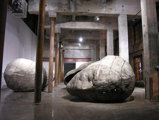 Sculptures by Ledelle Moe 02.jpg
