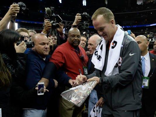 Manning Autograph.jpg