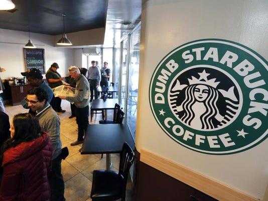 -Dumb Starbucks.JPEG-0af14.jpg_20140210.jpg