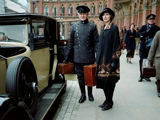TV-Downton Returns_Ball.jpg