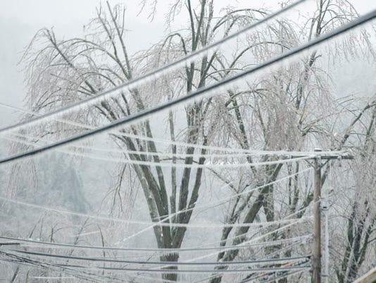 -BUR 1223 ice storm C4.jpg_20131223.jpg