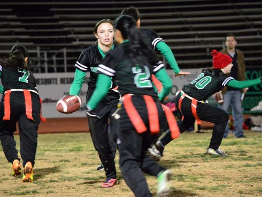 STG0114 dvt flag football 01.jpg