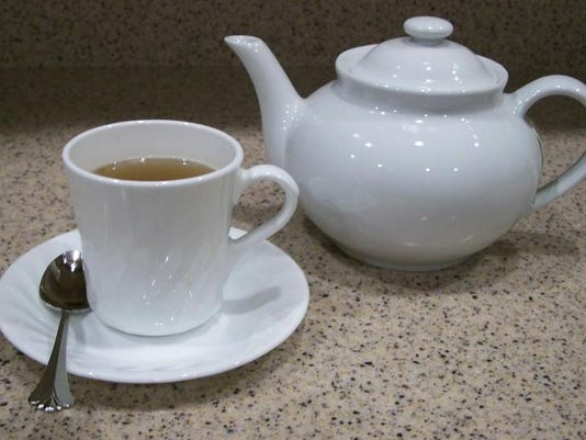 Chronicle 01_09 food facts Teapot_Teacup_1_3.jpeg