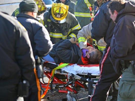 -Accident on West Avenue.jpg_20140107.jpg