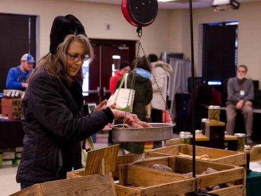Asheville City Market_weigh.jpg