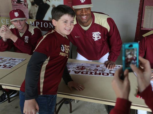 -FSU fan day9.JPG_20140208.jpg