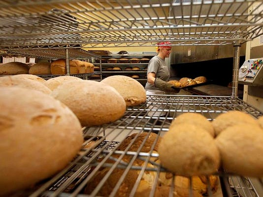 SAL0125-Bread Business lede