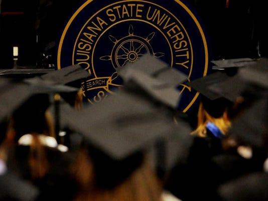 -052410SHRgraduation5.jpg_20100523 (2).jpg
