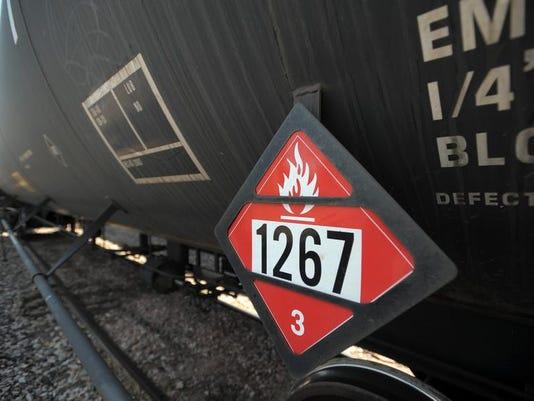 -FTC0712-gg Hazmat Train Cover02.jpg_20130711.jpg