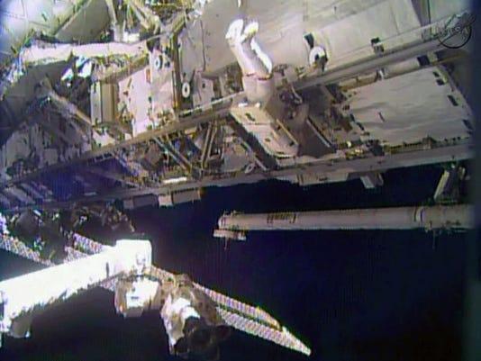 Space Station_grue(1).jpg